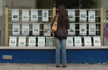 http://timesonline.typepad.com/photos/uncategorized/2007/06/18/estate_agents.jpg